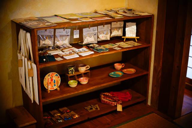 名護アジア食堂みのり屋 小物雑貨の販売