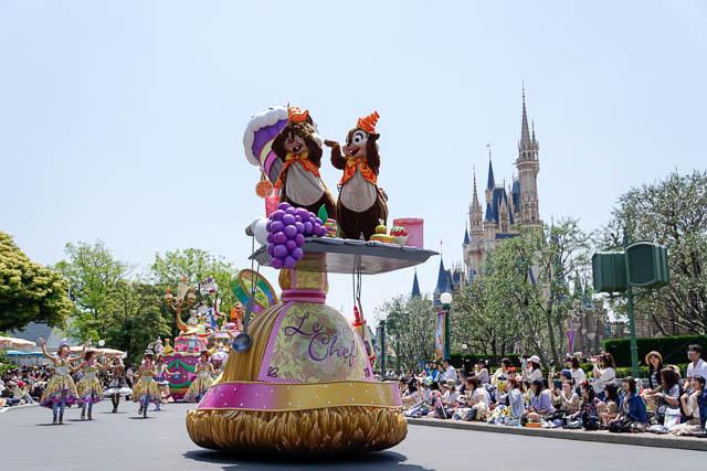 【ディズニーランド】パレードの撮影や子供と観覧するのにオススメの場所はどこ?