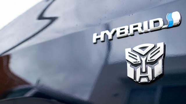 【トランスフォーマー】オートボットとディセプティコンのエンブレムを車に貼るマグネットステッカー