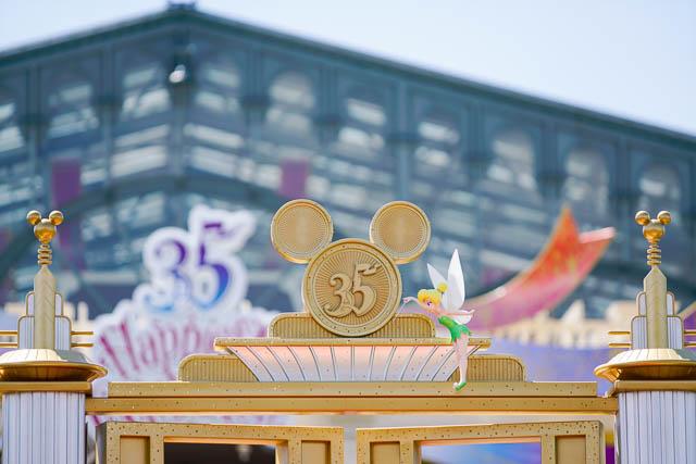 """【35周年ディズニーランド】""""Happiest Celebration!""""で撮影を楽しむ祝祭のパーク(その1:Happiestなひととき)"""