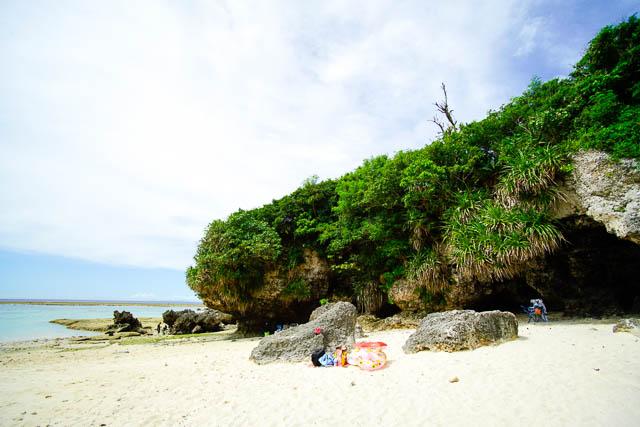 やんばる天然ビーチで遊ぶ(その1)!白い砂浜が美しい今帰仁村の長浜ビーチ