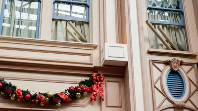 ワールドバザール・35周年セレブレーションストリートの紙吹雪が銀テープに!時間や回数は?
