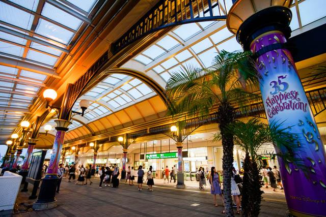 【35周年ディズニー】舞浜駅も35周年をお祝い!