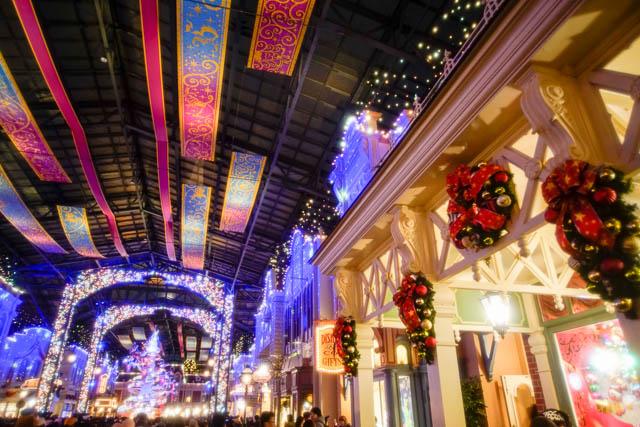 夜のワールドバザールとクリスマス